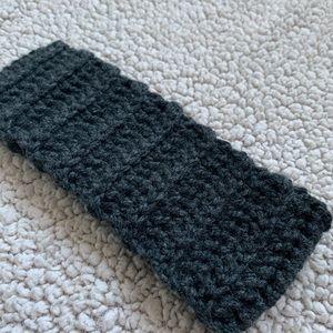 • Gray Knit Headband •